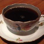 ジャルディーノ - ヘレンドのカップでいただくコーヒー