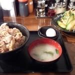 伝説のすた丼屋 - すた丼+ミニサラダ