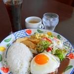cafedining TANUMA - ロコモコ ランチセット 880円(8%込)