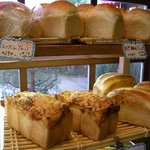 フュッセン - 天然酵母の山形パンもあり。