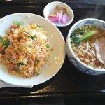 菜根香 - 鮭チャーハンとチャーシュー麺セット(秋限定ランチ)¥820