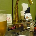 みやもとファーム - 各卓に設置されているビールサーバー