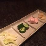 鉄板焼 ぼんの - 母の漬物四種盛り 520円