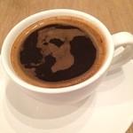 SLOPE - 泡の影が何の形に見える? ガンダムの街のカフェ、今日のコーヒーはメキシコ。 中米よりは南米に近いテイストを、お勧めのアメリカーノで。