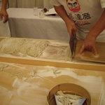 達磨 雪花山房 - optio A30で撮影。高橋名人の蕎麦切り。