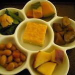 里山カフェ - 6種類のおかず