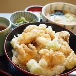 お多福 - 料理写真:小えび天丼定食  950円