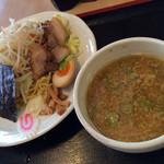 林屋 - 料理写真:つけ麺とんこつ