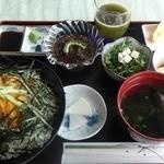 むらの茶屋 - うに丼 ¥1500(税抜)
