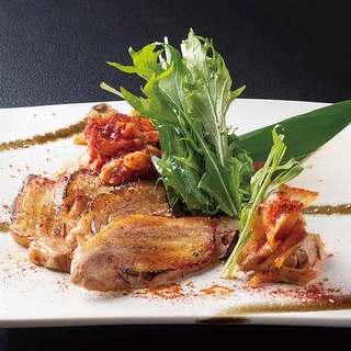 新鮮な鮮魚・地元食材を活かした手作り料理好評です。