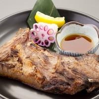 ぼんてん漁港 - 鮪カマのポン酢焼き 500円
