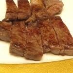 泉河 - 料理写真:もとぶ牛ステーキ