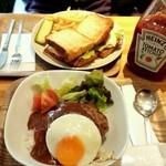 カウカウ カフェ - ロコモコ丼