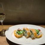 トラットリワ アウンテイ - 白ワインとロール寿司