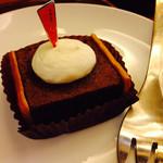 上島珈琲店 - 濃厚チョコケーキ