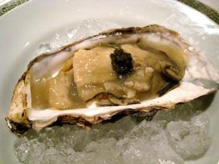 Restaurant27 - ('09/11)雄勝産牡蠣のポッシェレモン風味のクリームとガラムマサラ風味のジュレキャビア添え