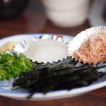26231680 - 湯豆腐の薬味、海苔、鰹節、大根おろし、葱
