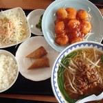 台湾料理 豊源 - ランチのエビチリ+台湾ラーメン(680円)※ラーメン付きは+200円