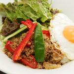 シンプルキッチン - タイ風丼の『ガパオ』