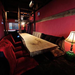 ふかふかじゅうたんのソファ完全個室