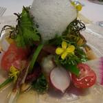 オトワ レストラン - 栃木の季節野菜と魚介のサラダ