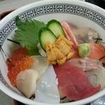 福魚食堂 - 海鮮丼アップ