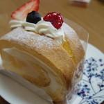 パティスリー ラ・プリュム - ロールケーキ