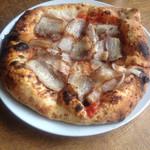 26245206 - 自家製ベーコンと新玉ねぎのピザ(1500円+税)