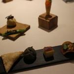 Le Temps Perdu - 前菜1:チーズのリソル、ピザポテト、ブータンのシュー、イベリコの生ハム、スナップエンドウ、パンパーニャ、サーモンのコルネ