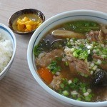 新垣食堂 - 牛汁 ¥1000(税込)