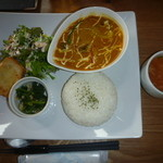 うえき屋カフェ272 - オクラとチキンのネパールカレー