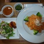 うえき屋カフェ272 - 海老とトマトのクリームパスタ