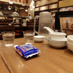 ぷんぷくまる - テーブルから店内の様子