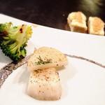 ステーキハウス神楽 - 奥は豆腐ステーキ