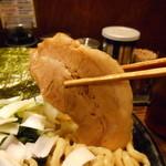 すごい煮干ラーメン凪 - 790えん『煮干ラーメン(無料麺量大盛り350グラム)』2014.4