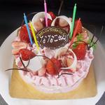 道とん堀 - ワールボンボン様ケーキで実際にサプライズ☆ななこさんお誕生日おめでとうございます(♡ >ω< ♡)