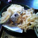 手打房 とき - 天ぷら盛り合わせ 250円