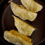 ぎょうざの山八 - 黒豚餃子
