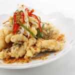 避風塘 - 白身魚のフライドガーリックスパイシー炒め