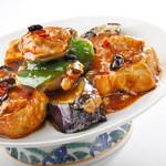 避風塘 - 茄子・ピーマン・豆腐の海老すり身詰め豆鼓ソース