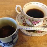 26293918 - 蕎麦茶と食後のコーヒー