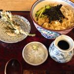 26293923 - 冷やしタヌキ蕎麦                       サービスでたらの芽の天ぷら