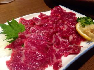 居酒屋 まる家 西中洲 - 真っ赤な馬刺し様も肉肉いいね!!