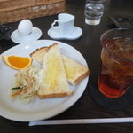 SlowCafe - トーストセット 400円