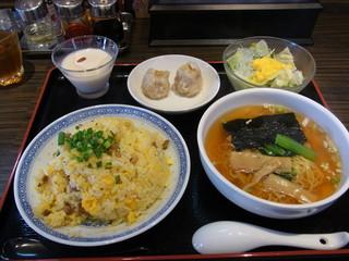 中国料理 虎 - 炒飯ランチ(900円)