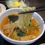中国料理 虎 - 中太縮れ麺