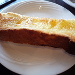 だるま珈琲 - 朝のトーストセット ハチミツトースト 自家製パンがサックサック