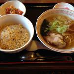中華食堂 一番屋 - チャーハンセット(800円)