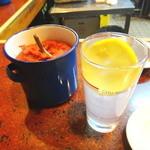 大松屋 - 辛味噌とレモンハイ