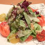 26311950 - ア・ポワンバーグ 1100円 のサラダ